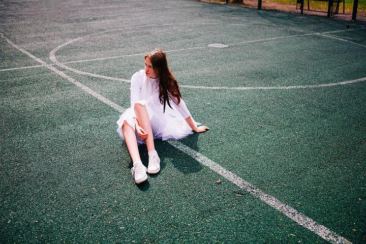 人間関係で悩んでいるなら逃げるという手段も考えよう。逃げたら悪い方向へ向かうという考えは間違い
