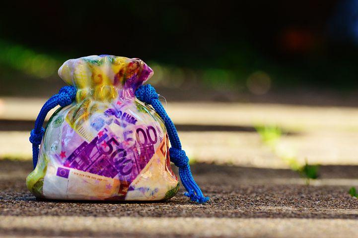 お金と幸せの関係性。お金があっても幸せではないけどお金がないと幸せにはなれない