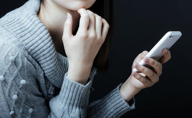 人に相談をすることは悪い事でも恥ずかしい事でもない。抱え込まずに相談する勇気を持とう。