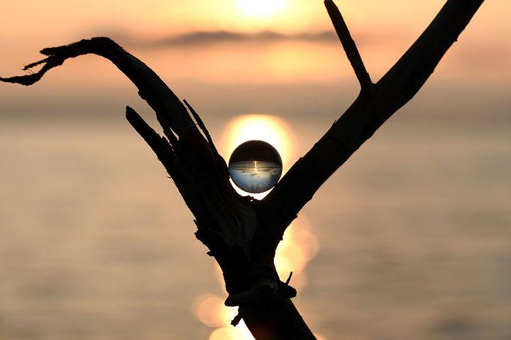 人と比べる必要はない。比べる事をやめたときに自分が輝くものが見つかる