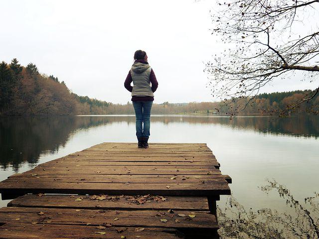 自信がない人の特徴は自分を受け入れられていない人。自分を受け入れさえすれば自信を持つことが出来る。