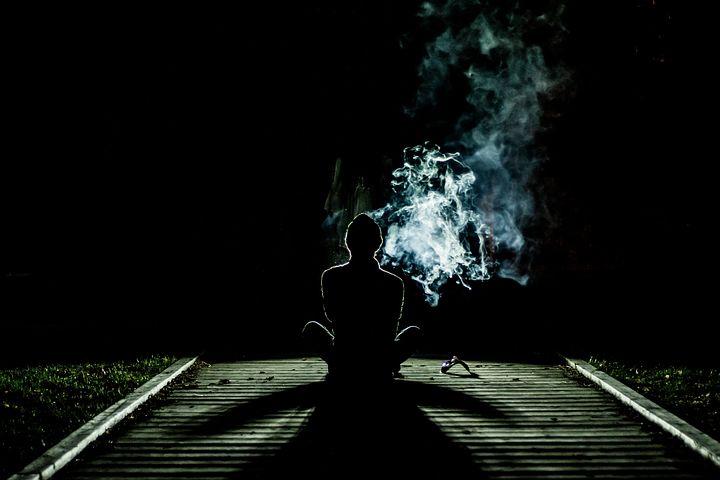 オーラは本当に存在しているものなのか。オーラは自分の潜在意識によって見えるか見えないか決まるもの。