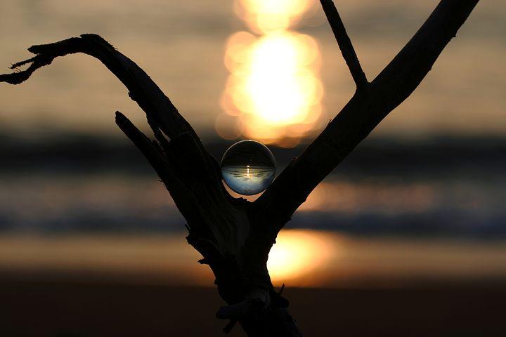パワーストーンは自分の心を素直に映し出す鏡のような存在である。