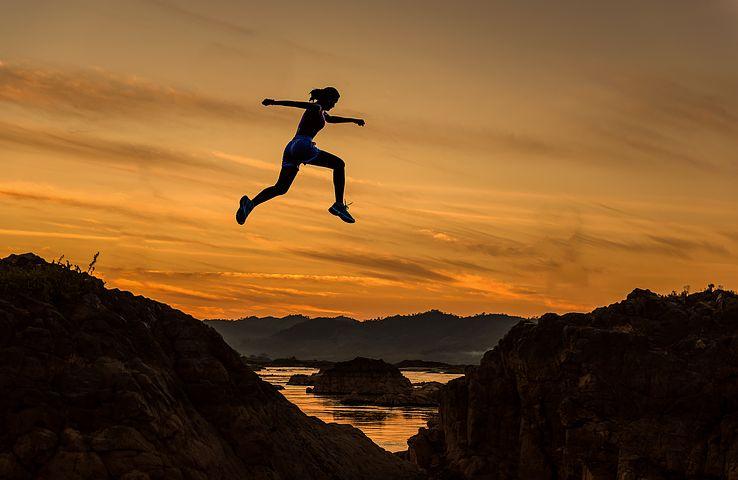 やる前から出来ないと決めつけるのはやめよう。人はステップアップする事で出来ないことも出来るようになる。